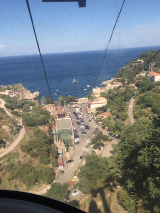 Taormina-view-of-beach-from-cable-car